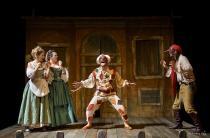 Aperitivo a Teatro. Estate Carrarese 2018-Arlecchino Furioso
