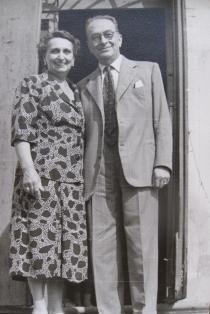 Bruno Brunelli Bonetti ritratto con la moglie