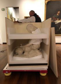 l'imballaggio della scultura