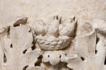 particolare del monumento funerario