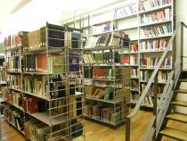 la torre libraria della Biblioteca Bottacin