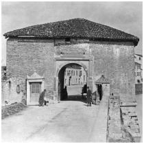 porta Saracinesca
