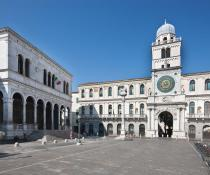 piazza dei Signori e l'Orologio